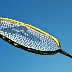 Badminton: Aufschlag (unten)